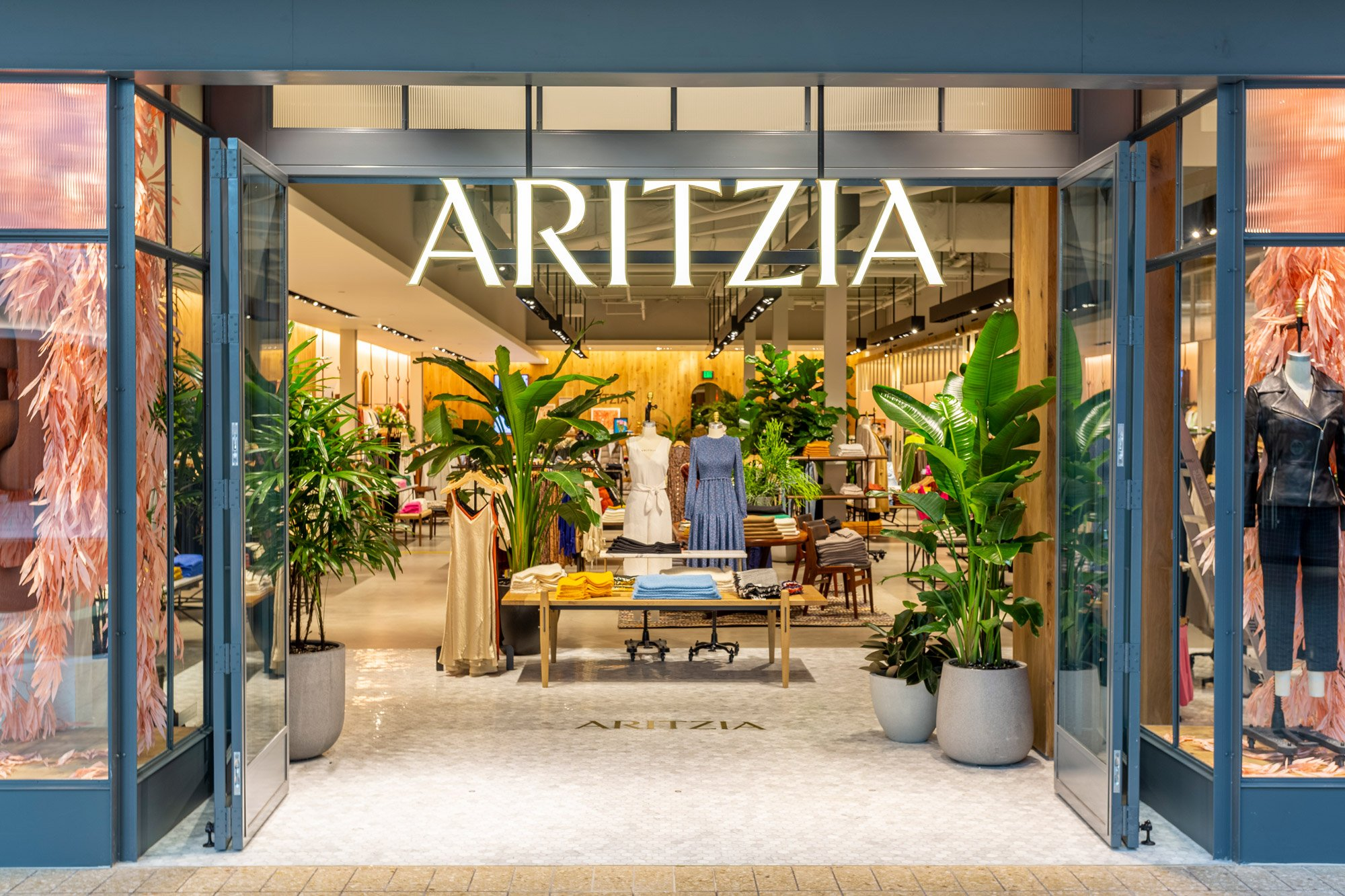 NOW OPEN: ARITZIA CHERRY CREEK