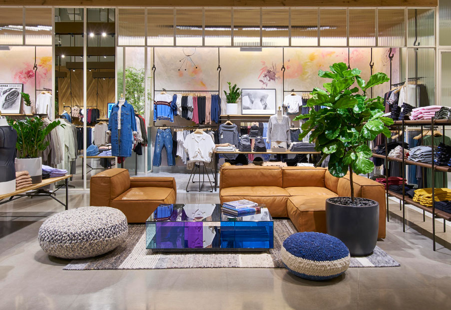 The New Aritzia Kingsway Mall